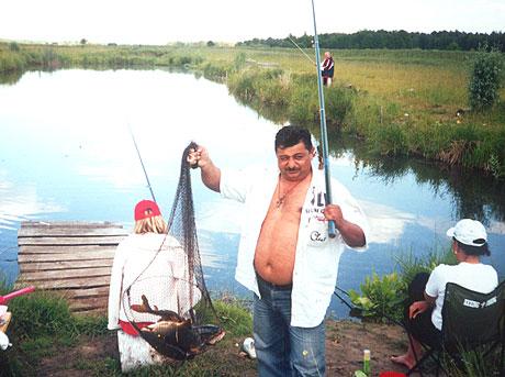 поедешь с мужиками на рыбалку